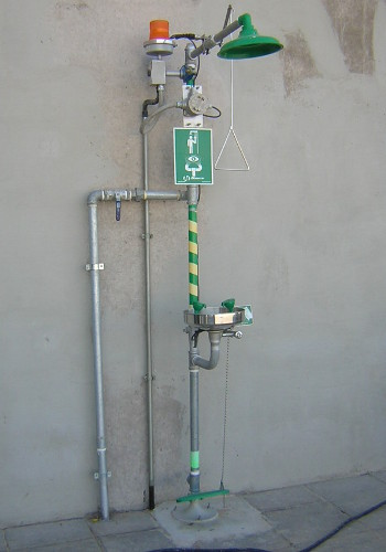 emergency showers eyewash systems welcome to bisan inc